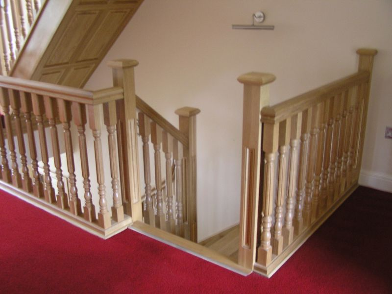 Oak-balustrade-ballingearyjoinery.ie24.JPG