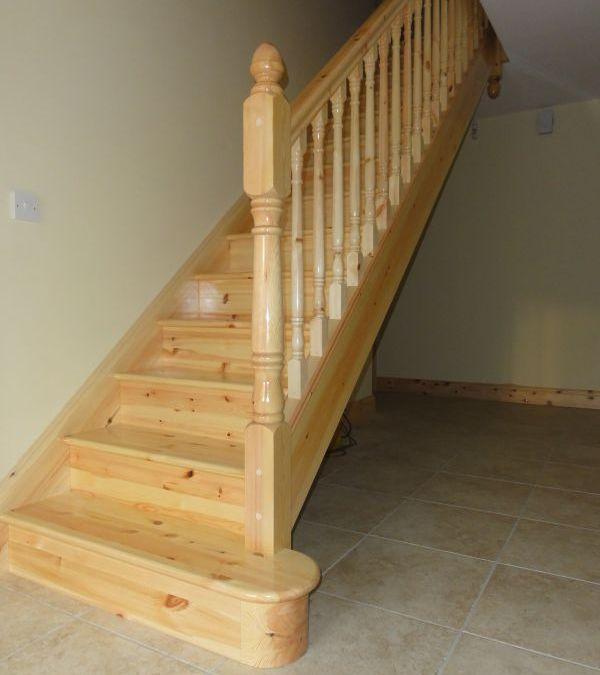 Traditional-Pine-Stairs-Ballingearyjoinery.ie15.JPG
