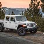 Jeep Gladiator Overland Is Jeep S Mid Size Pickup Truck Worth The Price Ballistic Magazine