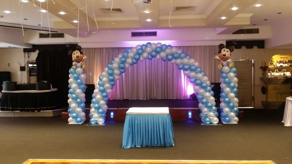 bubble chair on stand country kitchen chairs arch and column birthday party balloon decorations sydney
