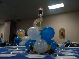 lit-candle-balloon-centerpiece