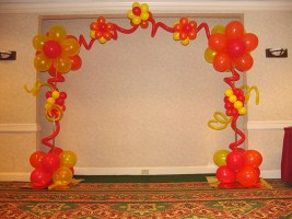 balloon-flower-arch