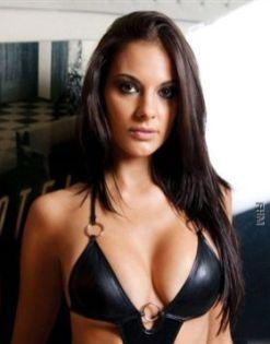 Elena Gomez Spielerfrau 2