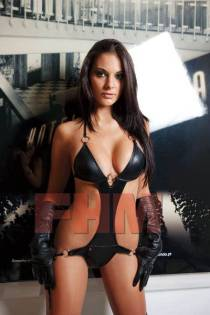 Elena Gomez WAG 1