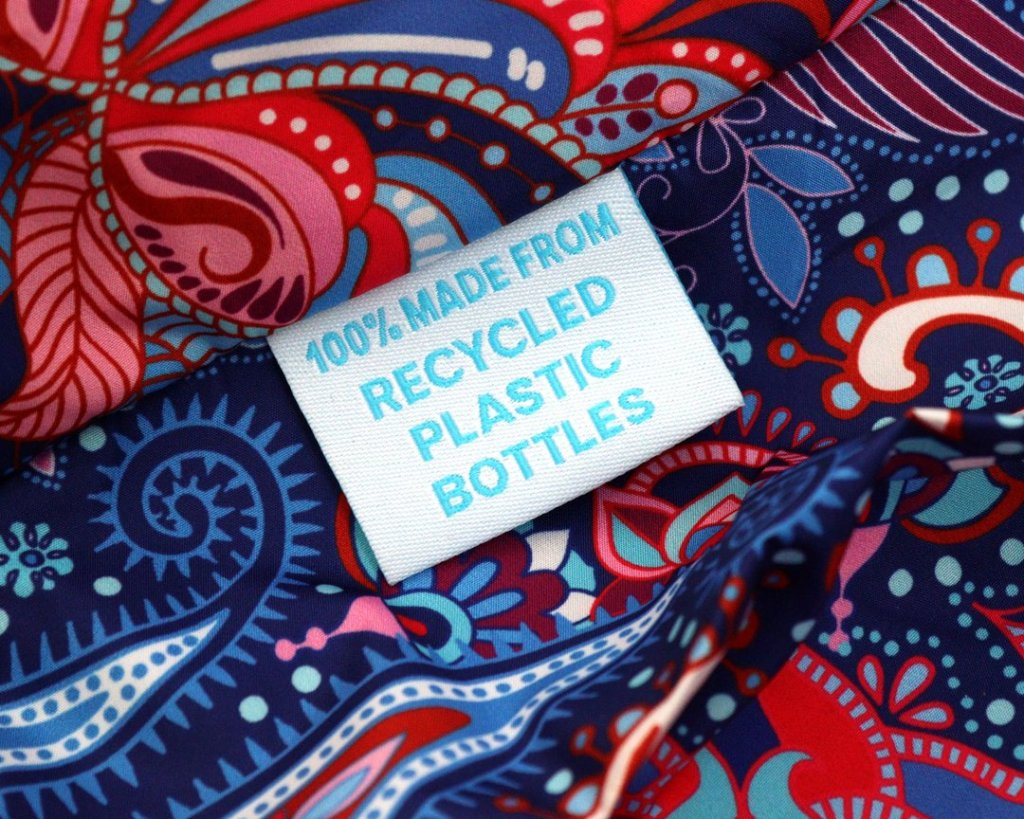 Label recycled web