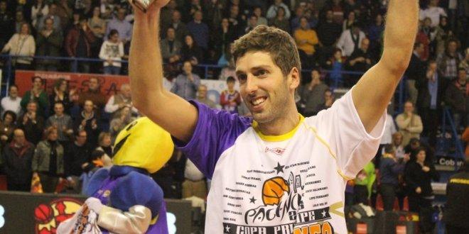 Guille Justo, con su título de Copa