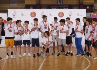 Los jugadores de Filipenses celebrando el tercer puesto. Foto Filipenses