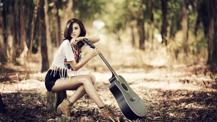Beautiful Girl With Guitar Wallpaper Guitar Girl Hq Desktop Wallpaper 21925 Baltana