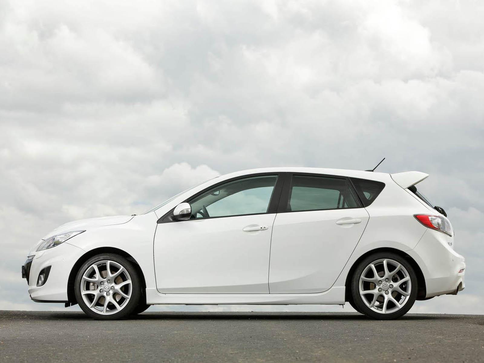 White Car HD Wallpapers 03602 Baltana