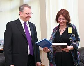 Egidijus Meilunas and Malgorzata Czyzewska, 20.05.2011. Photo: urm.lt