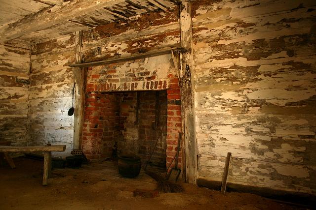Slave cabin at Sotterley Plantation