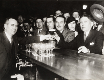 There are reports that Mencken's beer was an Arrow Beer, at the bar of the Hotel Rennert in Baltimore. Is that accurate?