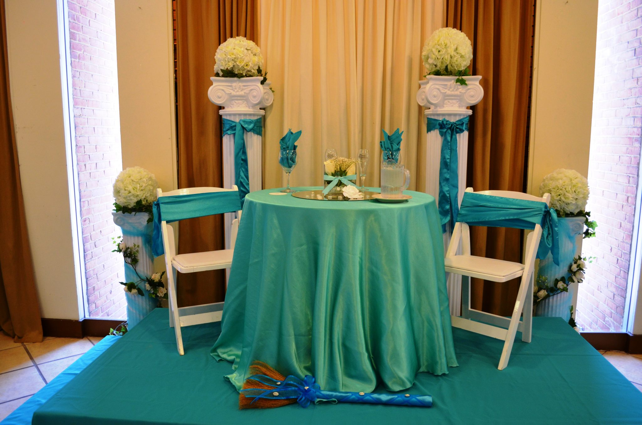 rent tablecloths and chair covers reclining chairs ottomans linens  baltimore 39s best events