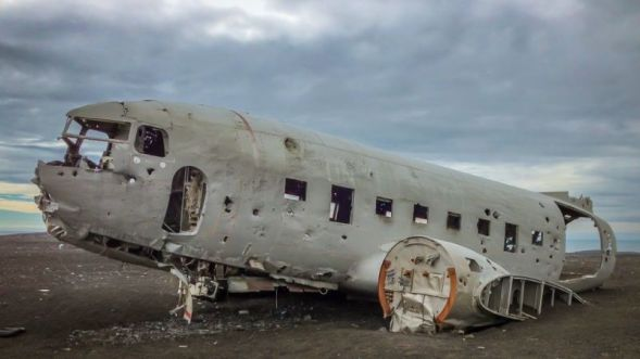 The DC-3 crashed in Nov-1973 with no fatalities and had remained on the beach since.