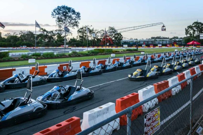 With over 100 go-karts and 3 professionally designed go-kart tracks, Kingston Park Raceway is Australia's largest outdoor go-kart racing venue.