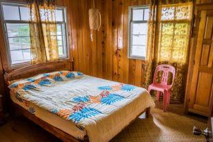 Twin bedroom. The Ngimat Ayu House, Bario (Sarawak, Malaysia)