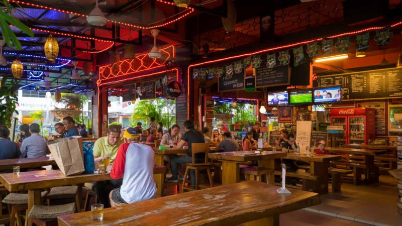 Ming Cafe. One of the most famous and popular restaurant in Miri city. Well-frequented by the expat community, it serves both local and western food, while stocking a good range of imported beer.