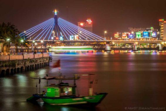 View from the promenade along Han River, Da Nang city (Vietnam)