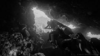 Underwater cave. Gili Tepekong, Candi Dasa (Bali)