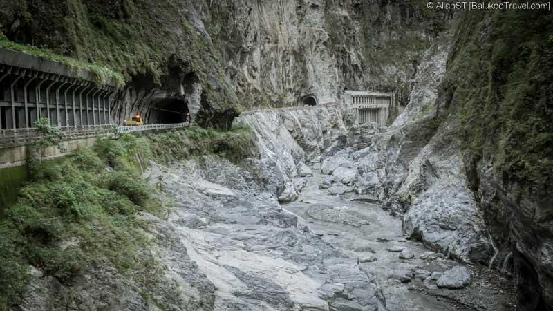 View near Swallow Grotto (Yanzikou, 燕子口), Taroko Gorge (Hualien, Taiwan) @2016
