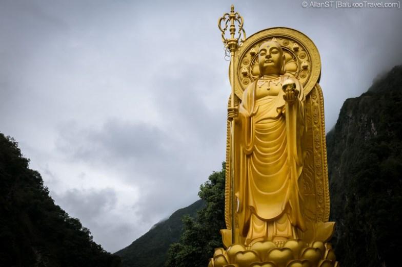 Giant Buddha statue at Xiangde Temple (祥德寺), Tianxiang, Taroko Gorge (Hualien, Taiwan) @2016