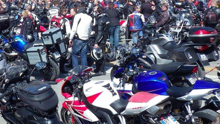 Motorraddemo durch Neuenrade und Balve