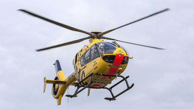Bei Flugzeugabsturz drei Personen schwer verletzt