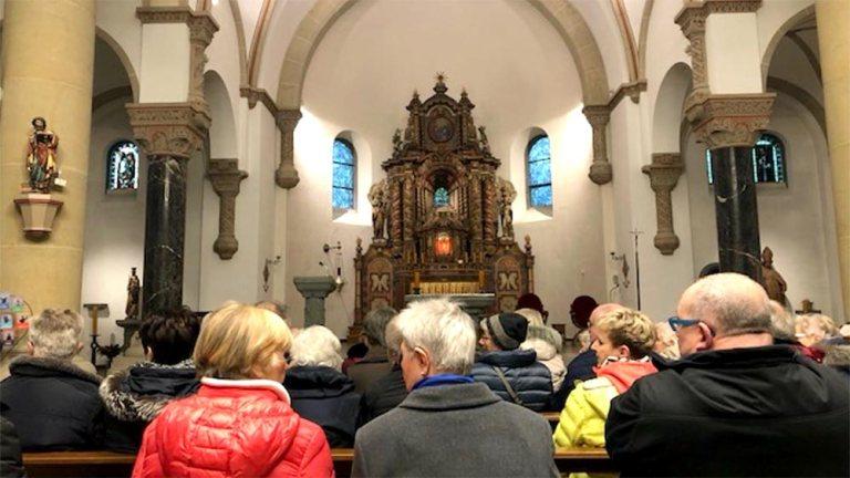 Zweite Kirchenführung mit Margret Mölle