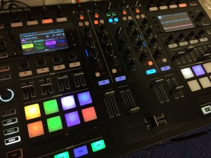 Native Instruments Traktor DJ software en hardware
