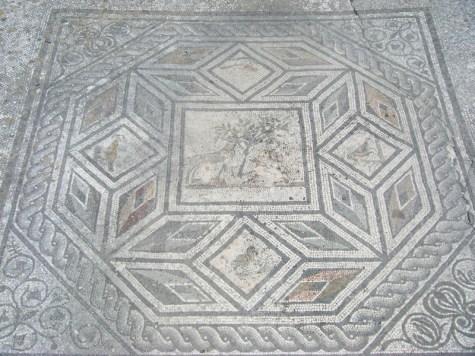 mosaici-ad-aquileia_med_hr