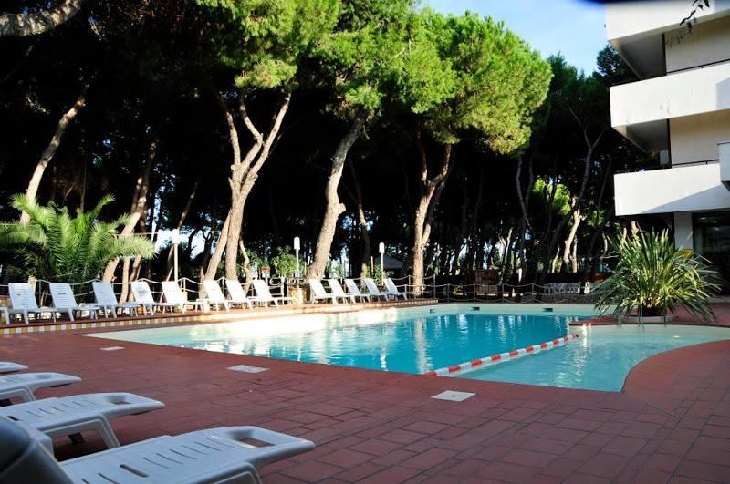 Un family hotel in abruzzo hotel baltic bambini con la - Hotel con piscina abruzzo ...