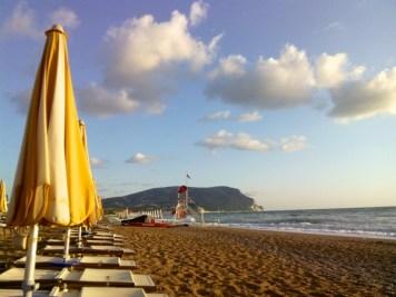 spiaggia-marche_numana