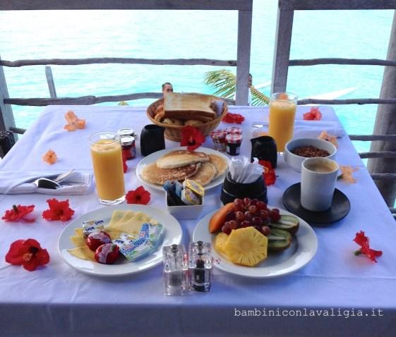 colazione-sul-mare-in-polinesia_hr