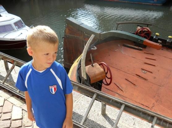 bimbo-barca-canali-ad-amste_med_hr