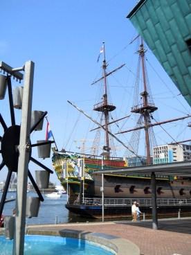 nave-pirata-amsterdam_med_hr