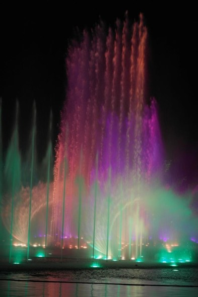 spettacolo-fontane-aquanura_med_hr (1)