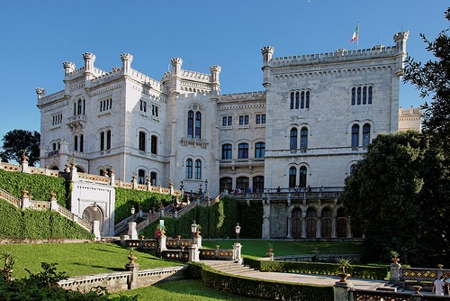 castello-miramare_med_hr