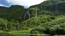 waterfall-1429352_640