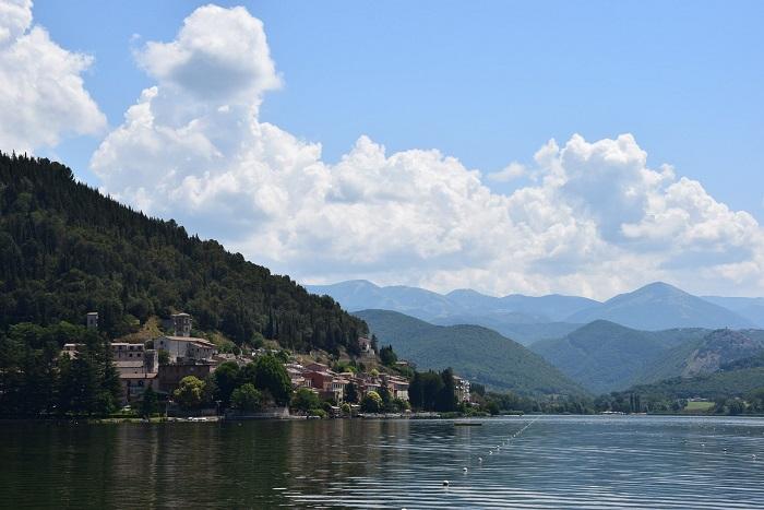 Lago di Piediluco, l'eco in mezzo al lago