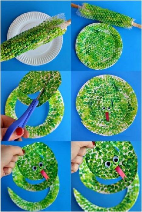 Riciclare piatti di carta, il serpente