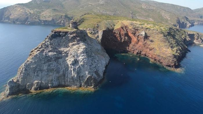 Isola di Capraia, le sette isole della Toscana