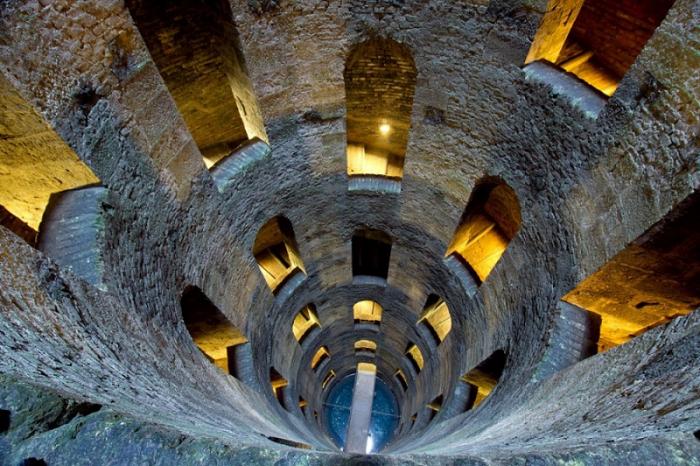 La discesa del Pozzo di San Patrizio ad Orvieto