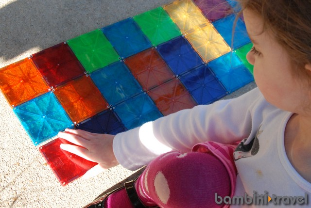 Magnatiles for learning shapes