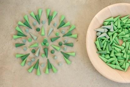 green cones mandala 22 grapat