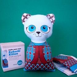 Kokeshi Kitten Sewing Kit - Blue