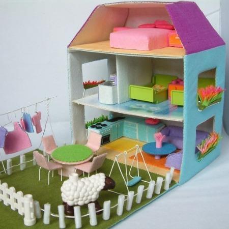 Felt Dolls House