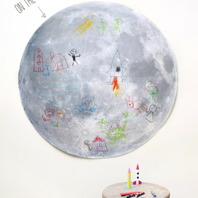 Cool free printable: Doodle on the Moon