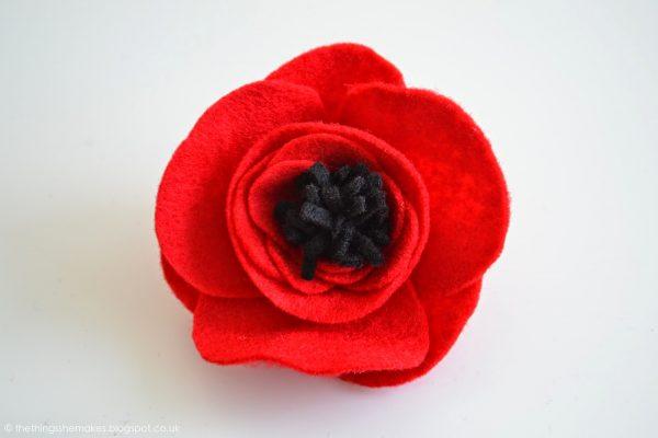 felt-poppy-flowers