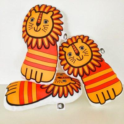 Swoop: Jane Foster Orange Toy Lion