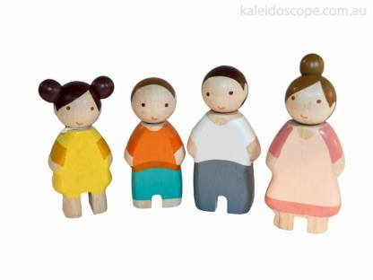 family of 4 wooden people
